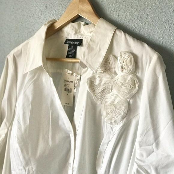 0c50ba25363 Lane Bryant Button down White Shirt Flowers detail